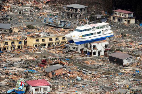 buildings survive tsunamis